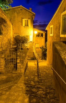 Rousillon alley