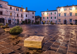 Evening in the piazza in Montefalco