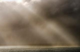 Seilibost storm light rays