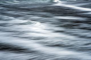 Lofoten beach waves