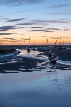 Dawn- Wells Harbour