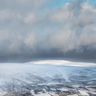 Hill snow